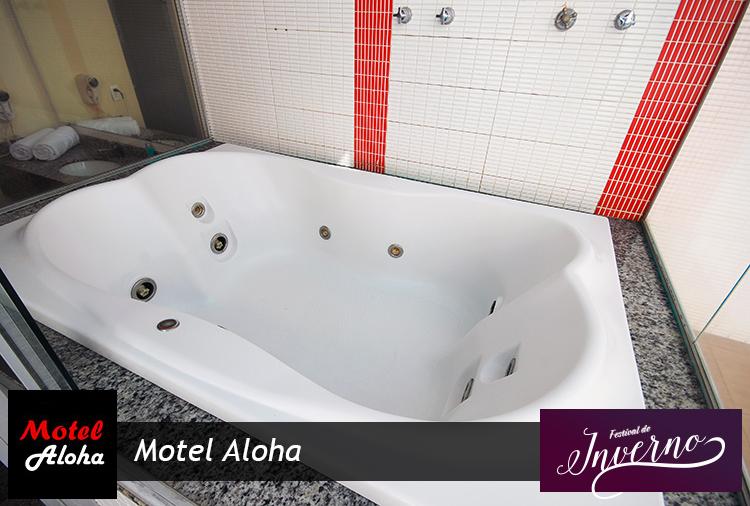 Motel Aloha com desconto na Suíte com Piscina aquecida e Teto Solar!