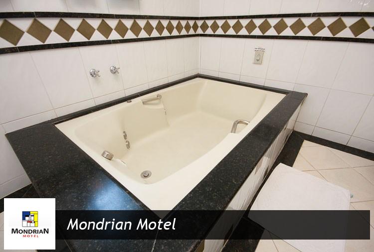 Mondrian Motel: Suítes a partir de R$ 58,00! Confira as opções com Hidro, Piscina e Teto Solar!